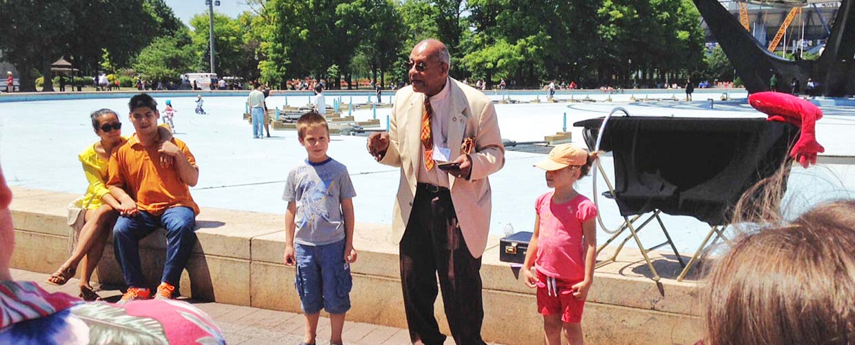 Teddy Lee Entertains Youth at the World's Fair