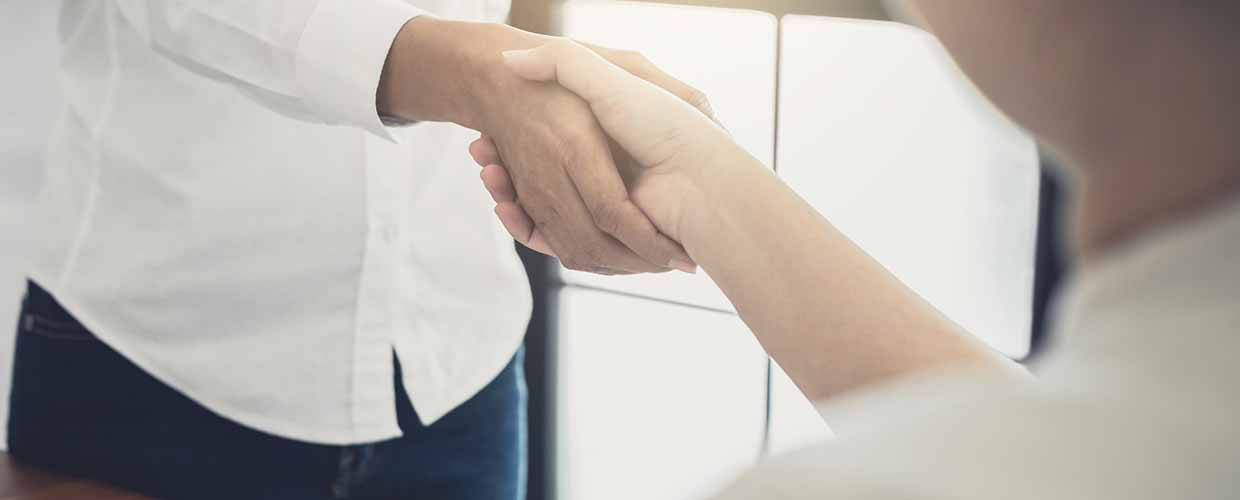Handshake after getting convenient funeral loan